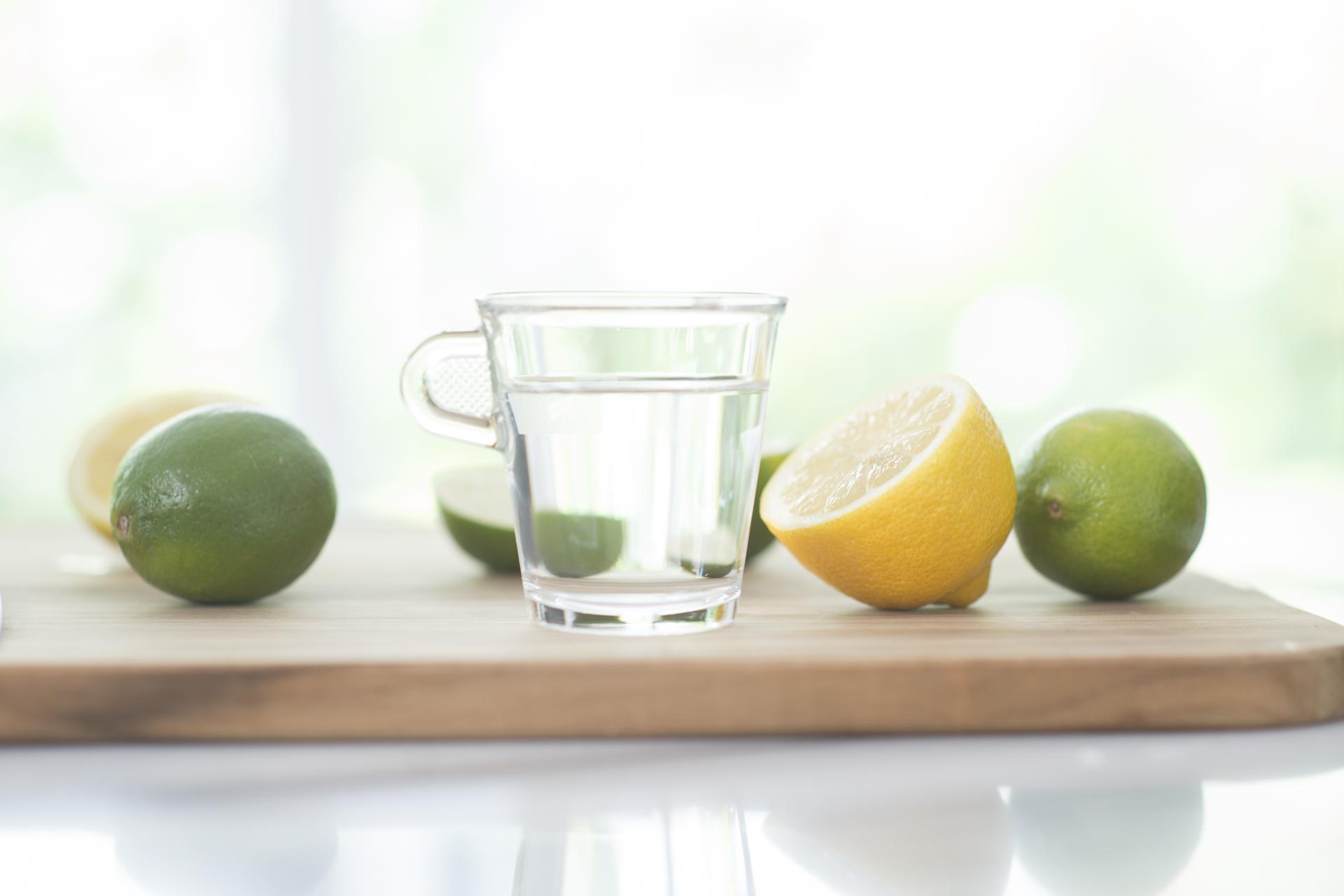 Agua tibia con limon 1